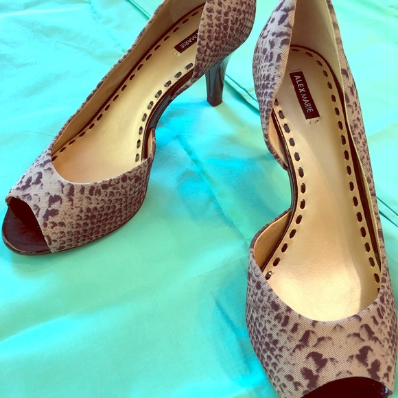 b4737a9b7cc Shoes